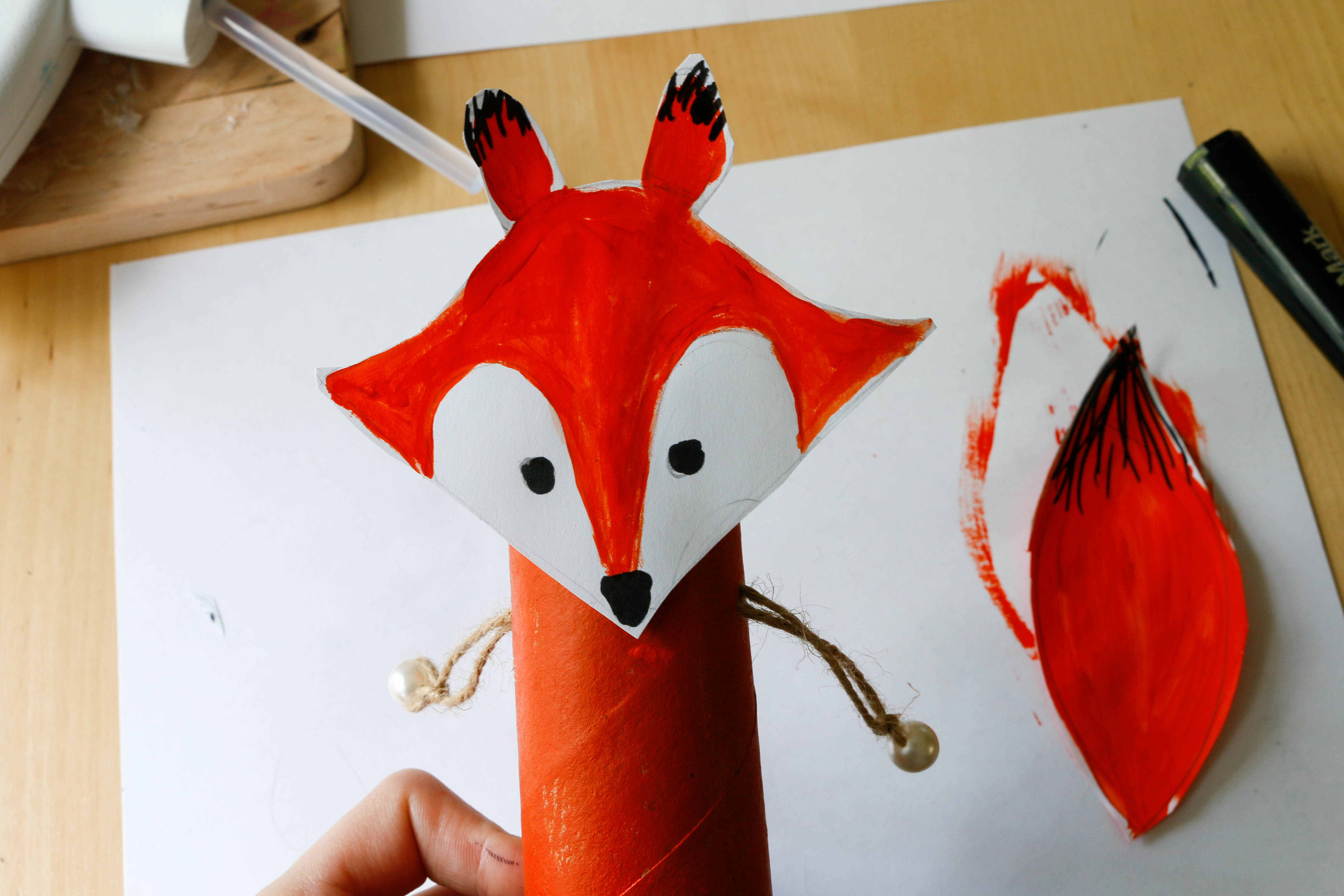 fox craft with toilet roll