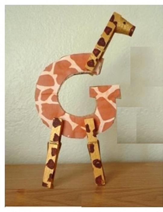 g-for-giraffe-craft-activity