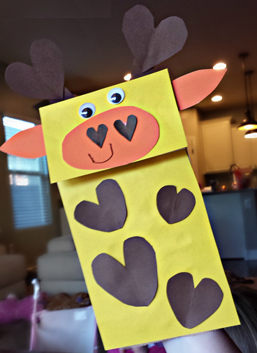 giraffe-paper-bag-heart-puppet-craft-for-kids-preschool