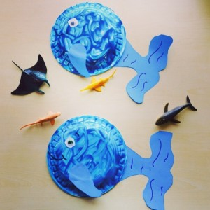 paper-plate-dolphin-craft-for-kids