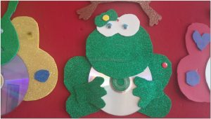 cd crafts frog for preschool