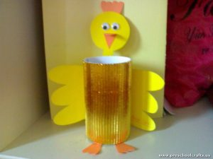 chick-craft-idea-with-toilet-rolls