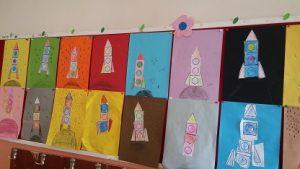 preschool-rocket-theme-bulletin-board-idea