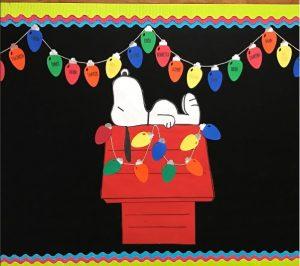 snoopy-christmas-bulletin-board