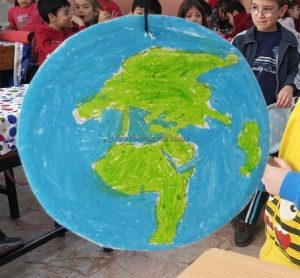 Earth Day Theme Craft Idea for Kindergartner
