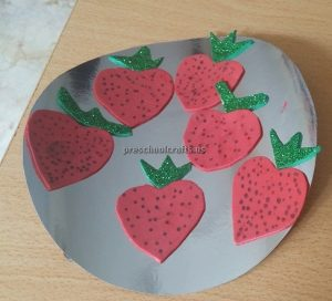 Strawberry craft ideas for kindergartner