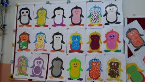 Easy Penguin bulletin board ideas for preschool and kindergarten