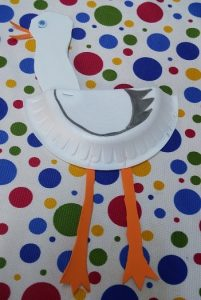 paper plate kindergarten craft to stork