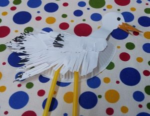 paper plate preschool craft to stork