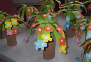 spring flower tree craft idea for preschoolers