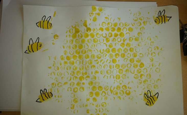 simple honeycomb and bee craft idea for homeschool