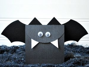 Paper_Bag_Halloween_bat_crafts