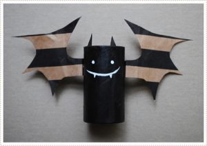 bat craft with toilet rolls