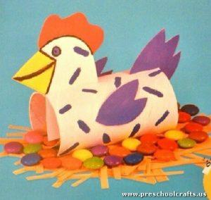 chicken-craft-from-toilet-rolls