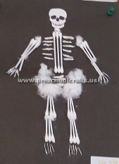 primaryschool-making-skeleton-with-ear-stick-4th