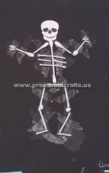 primaryschool-making-skeleton-with-ear-stick-first-grade
