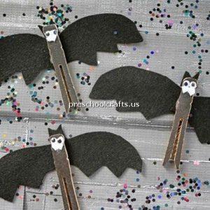 bat-craft-idea-for-kindergarten-with-toilet-paper