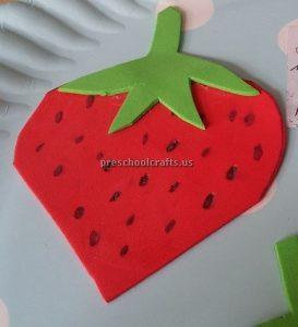 Strawberry craft idea for kindergarten
