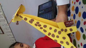 Kindergarten giraffe crafts