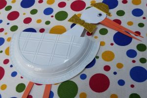 paper plate craft - stork craft ideas for preschool and kindergarten