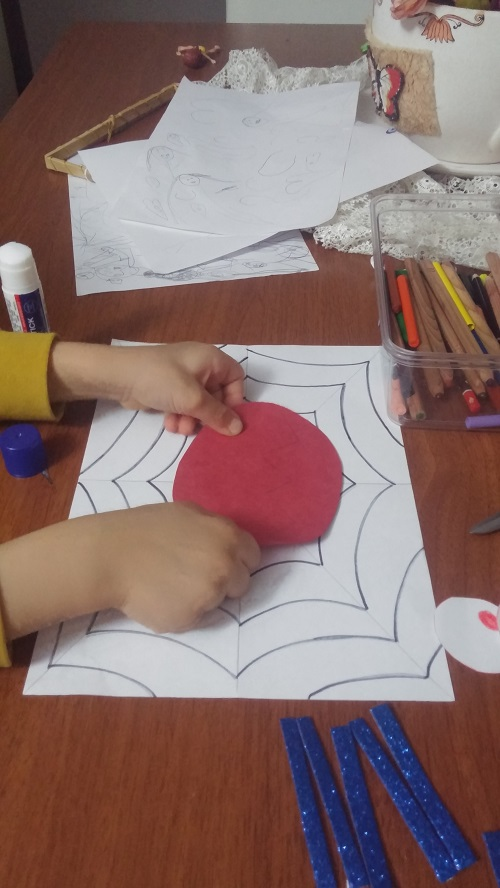 how to make spider craft for preschool