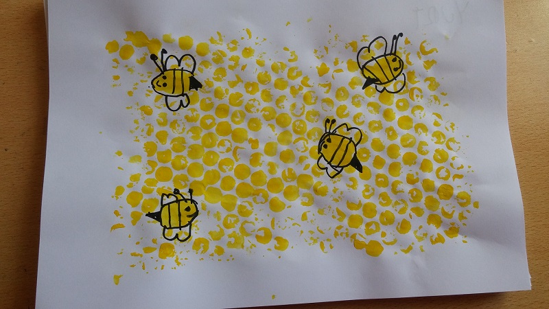bubble nylon print honeycomb and bee kindergarten activity ideas